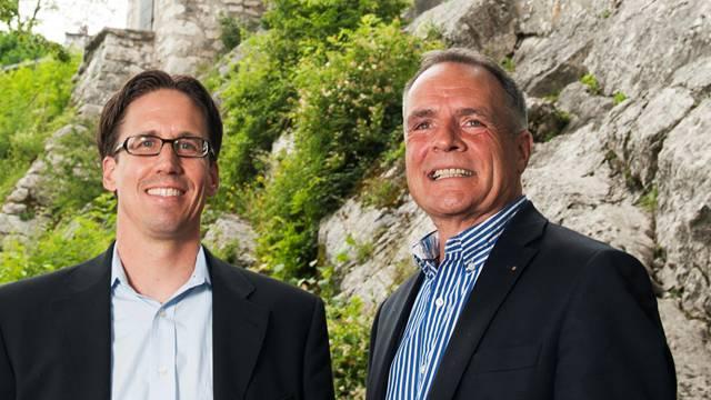 Adi Hirzel (l.) und Marc Périllard erobern für das Stadtfest 2012 zum ersten Mal ein Festgebiet auf der Schlossruine Stein. Alex Spichale
