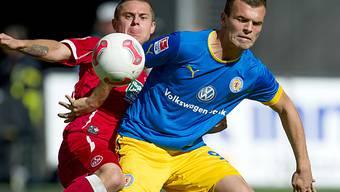 Der Schweizer Ademi (rechts) schafft mit Braunschweig den Aufstieg