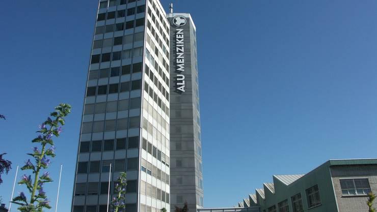 Das Alu-Hochhaus, Sitz des neuen Datacenters in Menziken