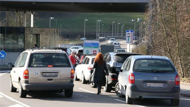 Aufgrund des Einkaufstourismus kommt es am Grenzübergang in Laufenburg immer wieder zu Staus.