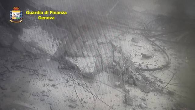 Brücke in Genua: Der Moment der Katastrophe im Video