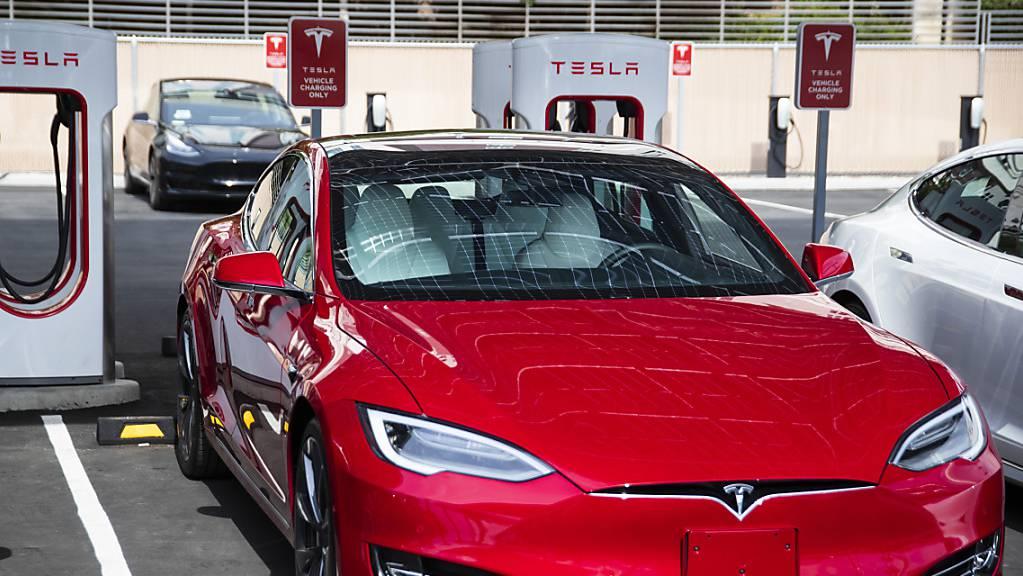 Der Elektroautohersteller Tesla hat grünes Licht für die Aufnahme seiner Produktion in China erhalten. (Archiv)