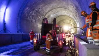 Der Bau des neuen Bözbergtunnels im Kanton Aargau geht in die Endphase. Die Bahntechnik wird eingesetzt.