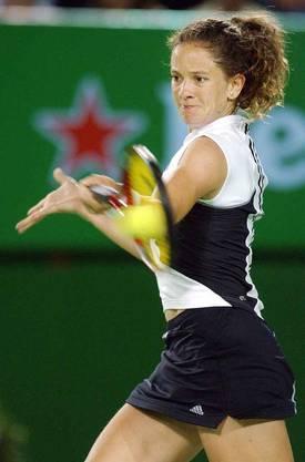 2004 in Melbourne am Australien Open bei der Halbfinalniderlagege geen Kim Clijsters