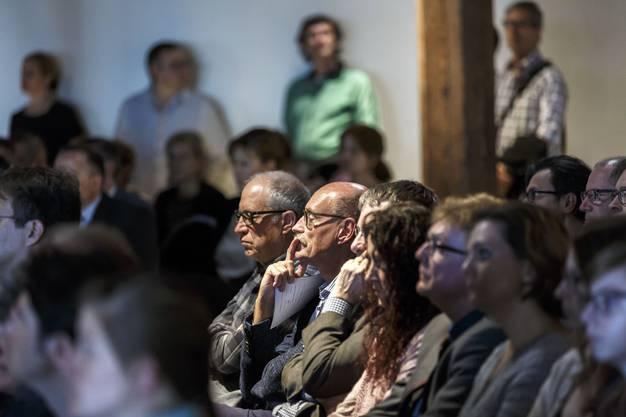 Aufmerksame Zuhörer bei den Ansprachen