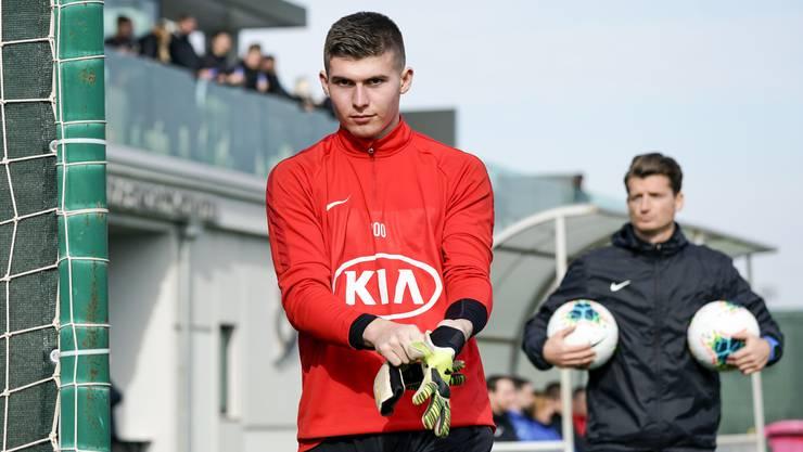 Der Torhüter (hier im Training des FC Aarau) spielt auch in der Rückrunde für den FC Baden.