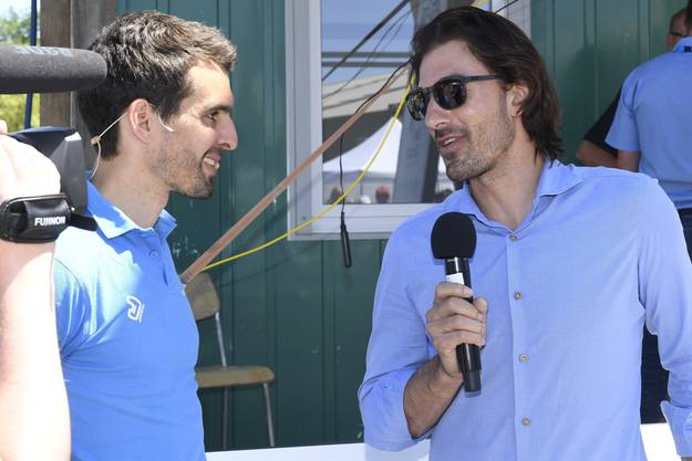 Fabian Cancellara (rechts) im Interview.
