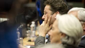 Der Eurogruppenchef Jeroen Dijsselbloem (hinten) und die Chefin des Internationalen Währungsfonds (IWF), Christine Lagarde, in Brüssel