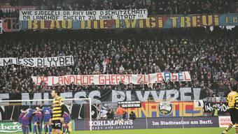 Politik im Stadion: Der FCB hat im Abstimmungskampf (Foto vom 7.2.2010) zur Landhofinitiative eine entscheidende Rolle gespielt.Lukas Lauber / Joggeli.ch