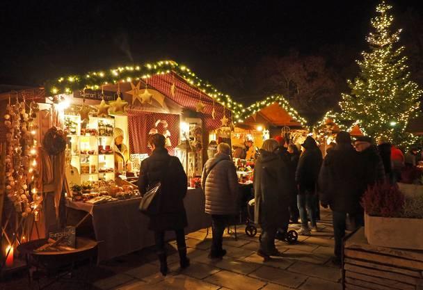 8. Adventsmarkt im Klostergarten