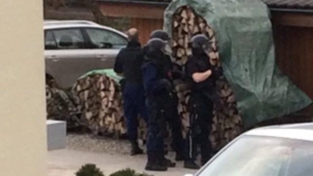 Polizei-Grosseinsatz in Bözen