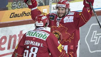 Lukas Haas (rechts) und Sven Lindemann jubeln mit den Tigers erneut