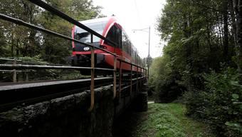 Laut NZZ sollen Kanton und Bund die Finger von einer Moutier-Bahn Investition lassen. (Archiv)
