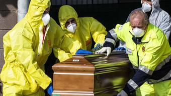 Italien hat in der Coronavirus-Pandemie die weltweit meisten Toten zu verzeichnen.