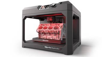 Der neue MakerBot Replicator Plus leistet das, was man sich eigentlich schon von den Modellen der ersten Generation erhofft hatte.