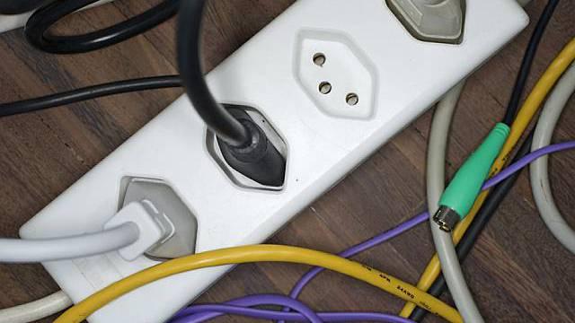 Auch in den grossen europäischen Ländern weniger Strom verbraucht