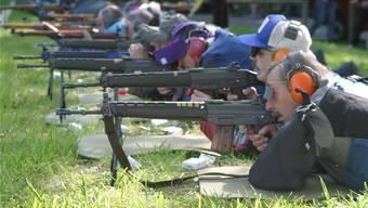 Hunderte Schützen finden sich jeweils am ersten Mai-Sonntag zum Habsburgschiessen auf der Freifeld-Schiessanlage Boll ein.