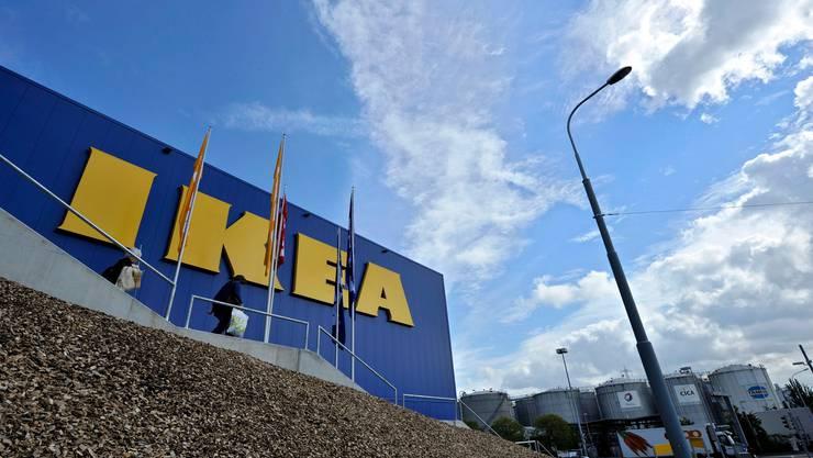 Der Bruno Manser Fonds hat laut eigenen Angaben auch in der Ikea-Filiale in  Vernier Verstösse gegen die Holzdeklarationspflicht festgestellt.