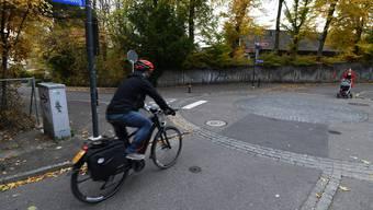 E-Bike-Fahrer müssen im Wald den Motor abschalten. (Symbolbild)