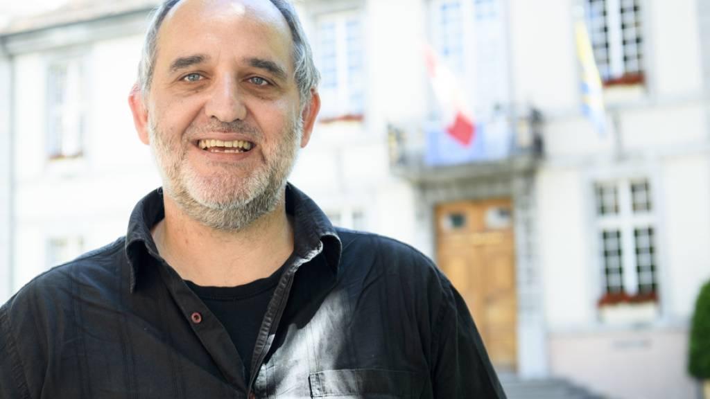 Der Kandidat der linken Gruppierung Décroissance-Alternatives, Yvan Luccarini, schaffte den Sprung in den Stadtrat von Vevey. (Archivbild)