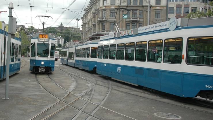 Noch dominiert die Farbe blau auf Zürichs Tramgleisen