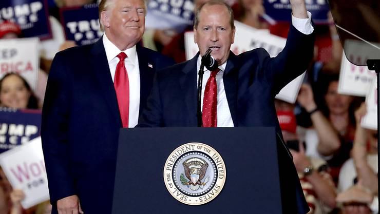 Der republikanische US-Präsident Donald Trump legte sich für seinen Parteikollegen Dan Bishop bei einer Nachwahl um einen Sitz im Repräsentantenhaus im US-Staat North Carolina mächtig ins Zeug.