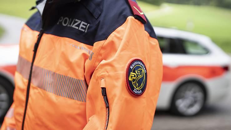 Fast dreimal so schnell wie erlaubt: Ein 33-jähriger Autofahrer ist mit 139 km/h durch Mönchaltorf gerast. (Symbolbild)