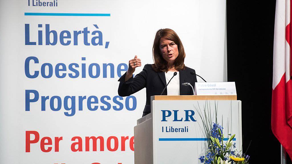 FDP-Präsidentin Petra Gössi plädiert an der Delegiertenversammlung der FDP Schweiz vom Samstag in Airolo für eine eigenständige und starke Schweiz.