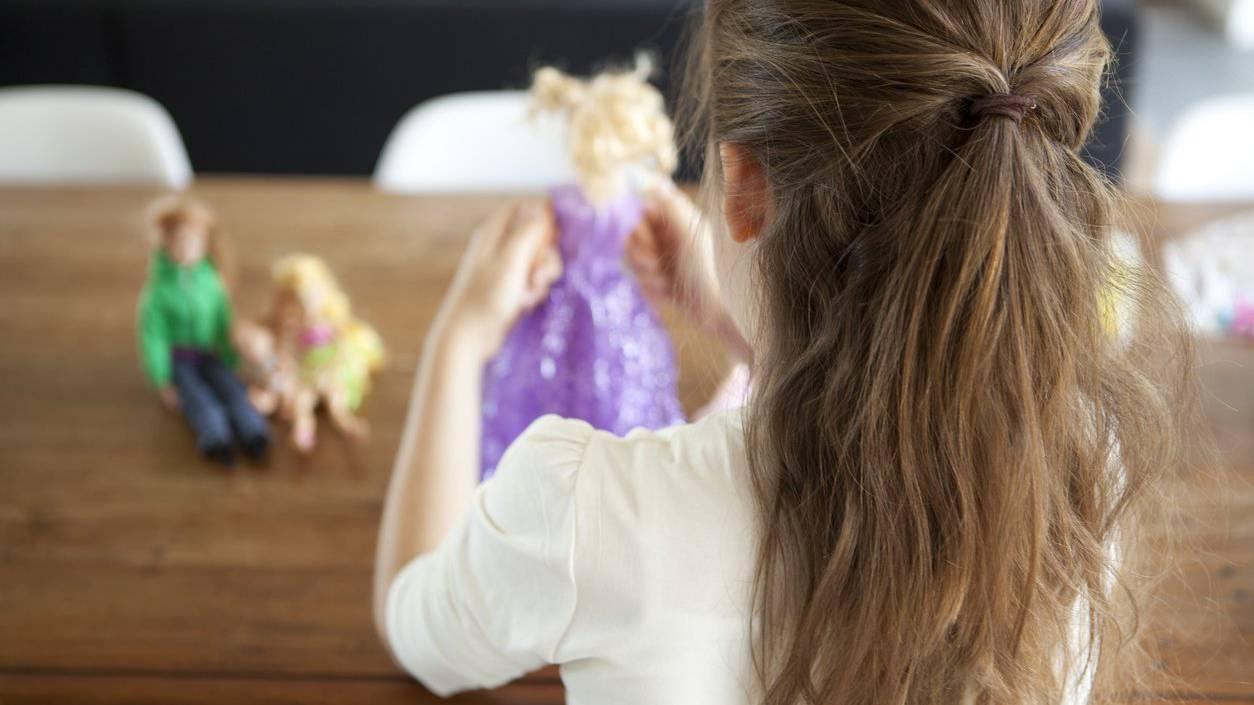Eine Barbie gehört bei vielen jungen Mädchen in die Spielkiste.