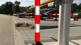 Die Situation bei der Ausfahrt aus dem Parkplatz bei der Laufenburger Stadthalle gibt Anlass zu Kritik. chr