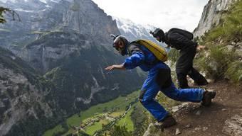 Nicht zum ersten Mal sprang ein Basejumper im Berner Oberland in den Tod. (Symbolbild)