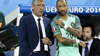 Für Portugals Trainer ging alles auf. Hier bringt er den späteren Torschützen Quaresma ins Spiel