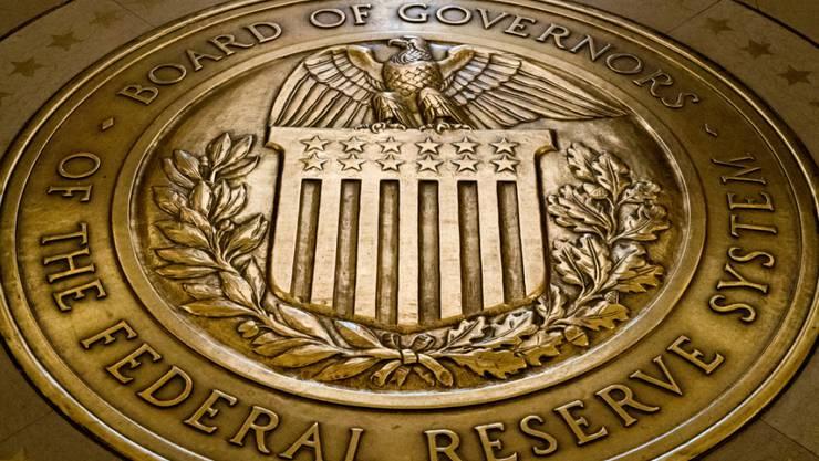 Die US-Notenbank Federal Reserve (Fed) belässt ihren Leitzins unverändert. (Symbolbild)
