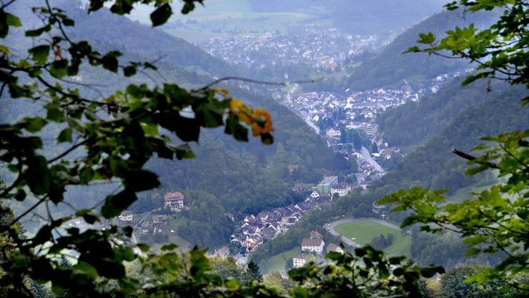 Übersicht übers Waldernburgertal vom Hof Bilstein herunter