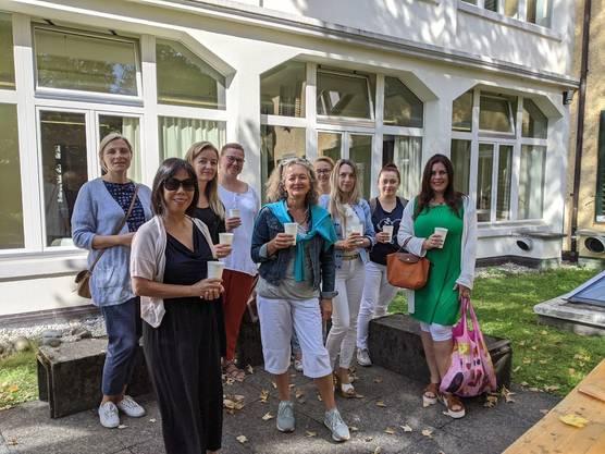Seit 2015 findet das Schweizerdeutsch-Café jeden Monat in der Stadtbibliothek Baden statt.