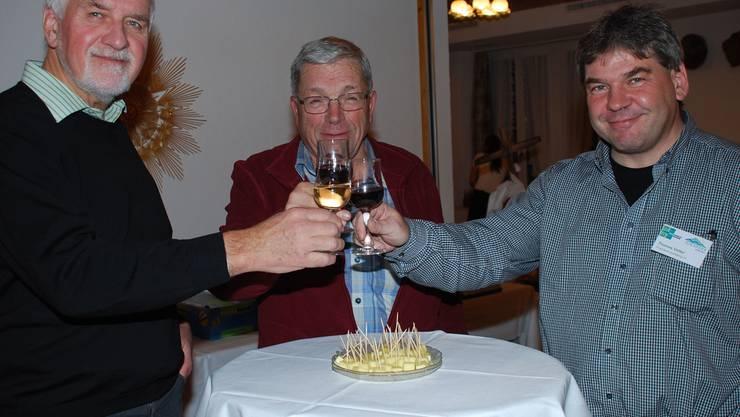 Geri Hirt – Botschafter des Juraparks, Ehrenmitglied Peter Bircher und Präsident Thomas Vetter (v.l). rb