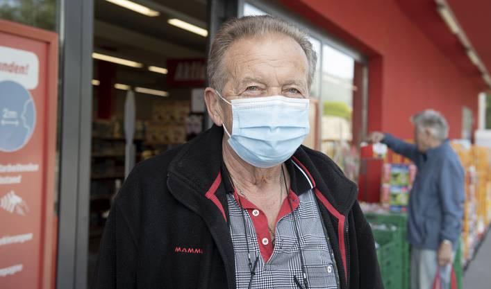 """Fredy Moll (76) wohnt im Kanton Solothurn. """"Dort tragen wir Maske. Wenn die Aargauer das nicht brauchen, ist das ihr Problem"""", sagt er."""