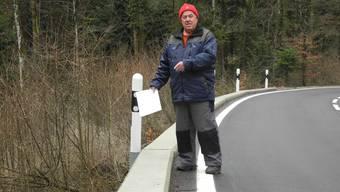 Toni Obrist und seine Mitstreiter forderten, dass an der Kantonsstrasse über die Ampferenhöhe Leitplanken angebracht werden sollen. Nach einer unabhängigen Untersuchung hat der Kanton die Petition nun abschlägig beantwortet. Archiv/mf