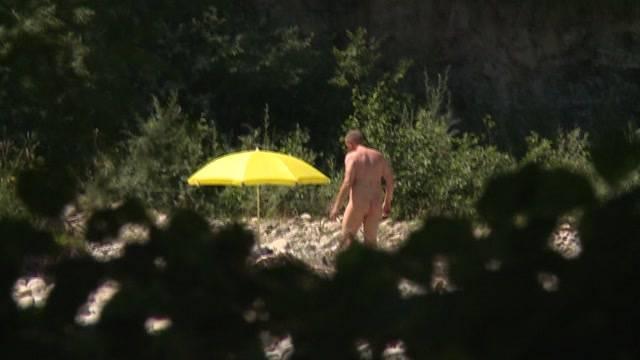 Nudisten wegen Sex gebüsst