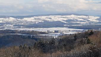 Blick von der Linner Linde auf dem Bözberg über das Birrfeld zum Rohrdorferberg mit den Gemeinden Oberrohrdorf Remetsschwil und Bellikon Winter Landschaft
