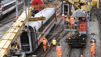 Zug vor Basler Bahnhof SBB entgleist