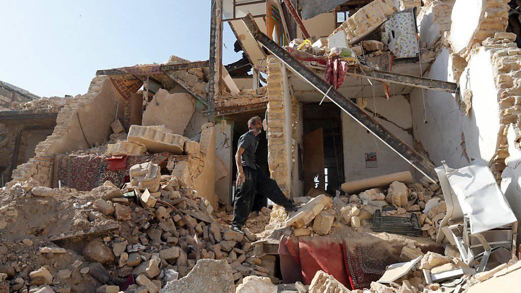 Trümmer nach dem Erdbeben im Westen Irans. (Archiv)