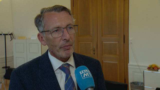 Konrad Widmer gibt Mandat ab / Franziska Roth über Widmers Abgang