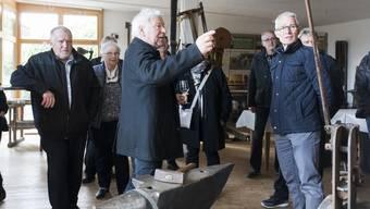 Der Gang durchs Weinbaumuseum – hier Teilnehmer des AZ-Jasskönigs – soll dank der Spende von Heinz Birrer zu einer digital gelenkten Zeitreise werden. (Archiv)