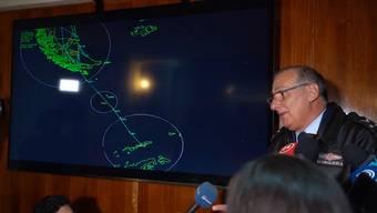 Ein chilenisches Frachtflugzeug der Luftwaffe ist mit 38 Menschen an Bord in der Antarktis verschollen. Rund eine Stunde nach Abflug sei der Kontakt zum Piloten ausgefallen. Es wurde eine grosse Suchaktion gestartet.