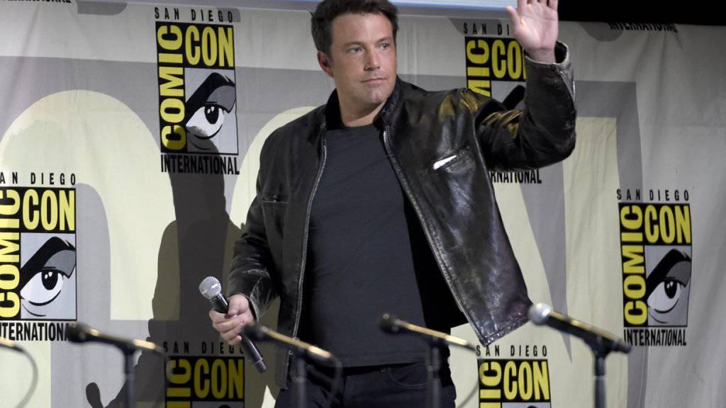 Ben Affleck führt im neuen «Batman» gleich selber Regie - hier am Samstag auf einem Podium des Comic-Con Festivals in San Diego.