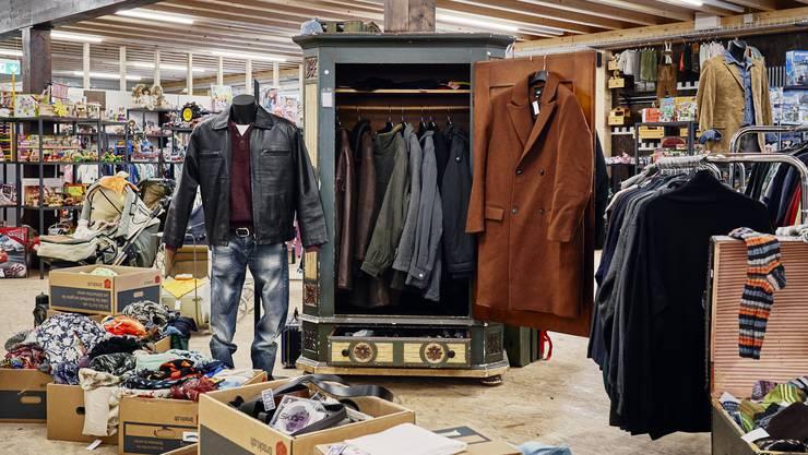 Auf zwei Stockwerken findet man im Brocki alles, was das Herz begehrt. Aktuell stammt die Ware aus anderen Brockis, ab Eröffnung können die Kunden Ware bringen.