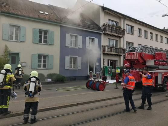 In einem Einfamilienhaus in Allschwil brannte ein Tumbler.