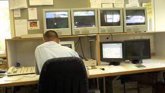 Der Kanton Solothurn sucht für das Gefängnis Schachen in Deitingen einen Mitarbeiter oder Mitarbeiterin «im Sicherheitsdienst, Zentrale/Technik». (Symbolbild)