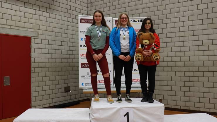 Yasmin Mäder belegt am Sonntag im Rahmen der Nachwuchswettkämpfe  bei der Stufe 3 den 1. Rang